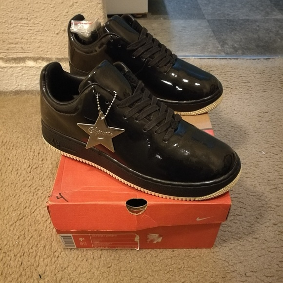 hot sale online c58c5 a9042 Nike Air Force 1 Low Supreme Seamless Edition. M 5a6e7d12a44dbed23d7eadeb